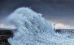 Hurrikan Brian schlägt Porthcawl Stockbild