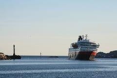 Hurtigruten en Svolvaer Fotos de archivo