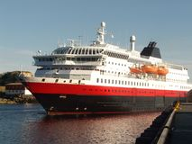 Free Hurtigruten In Lofoten Royalty Free Stock Photos - 6186068