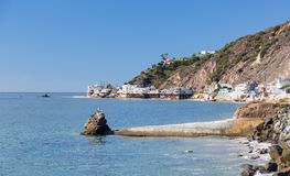 Hus över hav i Malibu Kalifornien Royaltyfri Foto