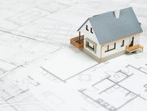 Hus överst av ritningar - materielbild Royaltyfria Foton