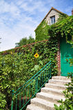 Hus av Claude Monet i Giverny Arkivbild