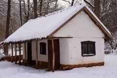 Hus av den forntida Adygsen Arkivfoto
