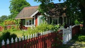 hus av den scandinavian bygdbyn nära stockholm, sweeden stock video
