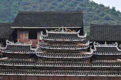 Hus av Dong Minority Arkivbild