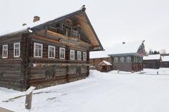 Hus av Khrapovsen i museet av träarkitektur i th arkivfoto