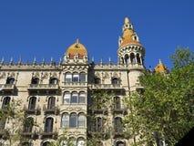 Hus av Leo Morera, arbetet av den ber?mda Catalan arkitekten Antonio Gaudi Kombinationen av modern och arabisk Mudejar stil royaltyfria bilder