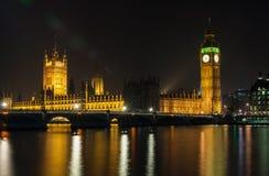 Hus av parlamentet, Big Ben, Westminster bro, London på Nig Arkivfoto