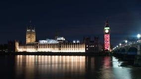 Hus av parlamentet på natten i London Arkivbilder