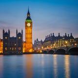 Hus av parlamentet på natten, London Arkivbilder
