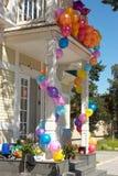 hus för 5 ballonger arkivfoton