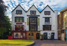 Hus för tre gavlar Exeter stad royaltyfri bild