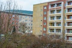 Hus från 80-tal i öst av Tyskland Arkivfoto