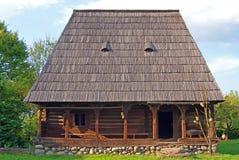 hus gammala traditionella transylvania Arkivbilder