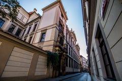 Hus Husova街在布拉格,捷克 库存图片