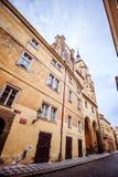 Hus Husova街在布拉格,捷克 免版税库存图片