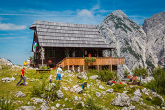 Hus i Alps Arkivfoton