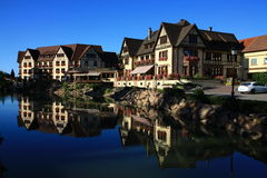 Hus i Alsace Arkivfoton