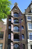 Hus i Amsterdam, Holland Royaltyfri Foto