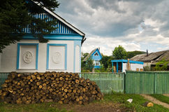 Hus i byn Arkivbilder