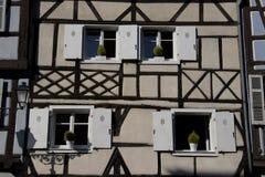 Hus i Colmar royaltyfria bilder