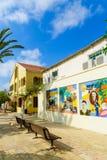 Hus i den historiska Neve Tzedek grannskapen, Tel Aviv Royaltyfria Bilder