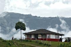 Hus i ett berg Arkivbilder
