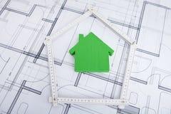 Hus i hopfällbar linjal på ritning Royaltyfri Fotografi