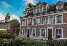 Hus i Lisieux, var hon bodde St Therese av barnet Jesu Arkivfoto