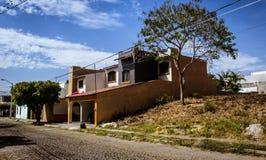 Hus i manzanillo Royaltyfri Bild