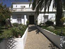 Hus i Nerja, en sömnig spansk feriesemesterort på Costa Del Sol nära Malaga, Andalucia, Spanien, Europa Royaltyfria Bilder
