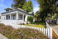 Hus i Palo Alto, Kalifornien royaltyfria foton