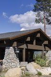 hus i sequoianationalparken Arkivfoto