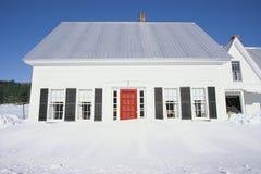 Hus i snow Royaltyfria Foton