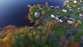 Hus i svensk bygd stock video