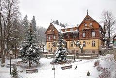 Hus i Szklarska Poreba poland royaltyfria bilder