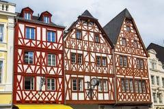 Hus i TrierTyskland Arkivbilder