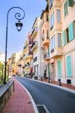 Hus längs gatan i Monaco-Ville, Monaco Arkivfoto