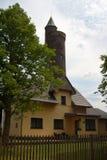 Hus med tornet Royaltyfri Foto