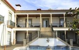 Hus med veranda och trappuppgången Royaltyfria Bilder
