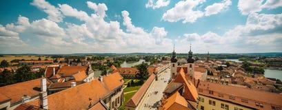 Hus nära gammal stadfyrkant i Prague, Tjeckien, sikt från över Royaltyfria Foton