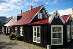 hus nordiska gammala reykjavik Arkivbild