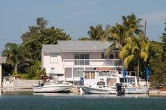Hus och fartyg i Key West Arkivbild