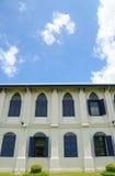 Hus- och himmelsikt Arkivfoto
