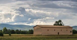 Hus och landskap i Frankrike Royaltyfri Fotografi