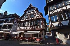 Hus och restauranger i det gamla stadområdet Strasbourg Arkivbild