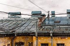 Hus och tak och snö Fotografering för Bildbyråer
