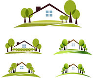 Hus och trädgård Arkivbild