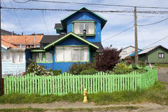 Hus på Ancud, Chiloe ö, Chile royaltyfria foton