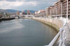 Hus på bankerna i Bilbao royaltyfri fotografi
